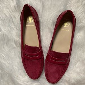 Cole Haan Woman wine suede loafers/11B